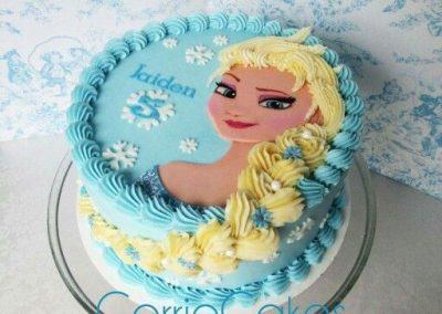 Photo 6 Gâteau Elsa la Reine des Neiges et sa jolie tresse - Décoration à la poche à douille - Ma Folie Des Fêtes