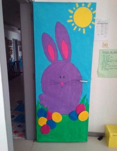 Photo 8 Pâques décoration de porte de classe lapin - Ma Folie Des Fêtes