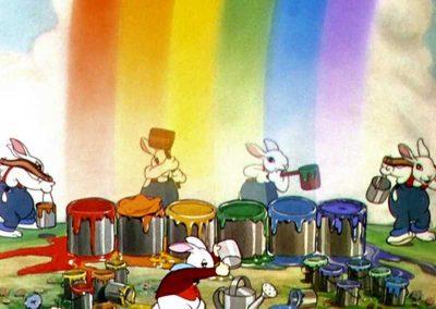 Petits Lapins Joyeux prennent de la peinture au pied arc-en-ciel pour peindre - Ma Folie Des Fetes