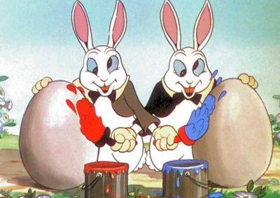Petits lapins joyeux qui louchent et peignent les oeufs - Ma Folie Des Fetes