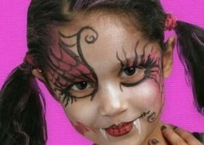 DIY Maquillage Draculaura Monster High - Idées et tutos(29)