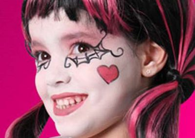 DIY Maquillage Draculaura Monster High - Idées et tutos(33)