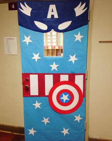 Superhero Classroom Decoration Ideas ~ Décoration portes de classe super héros en route pour la