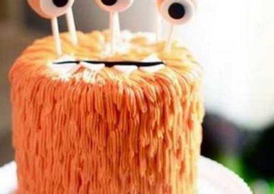 Gâteau monstre rigolo décoration poche à douille - (22)