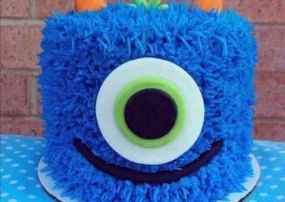 Gâteau monstre rigolo décoration poche à douille - (24)