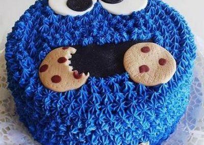Idée Gâteau monstre rigolo décoration poche à douille 1