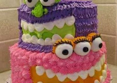 Idée Gâteau monstre rigolo décoration poche à douille 10