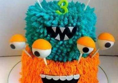 Idée Gâteau monstre rigolo décoration poche à douille 12