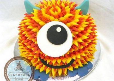 Idée Gâteau monstre rigolo décoration poche à douille 6