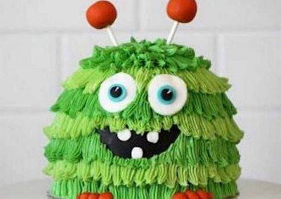 Idée Gâteau monstre rigolo décoration poche à douille 8