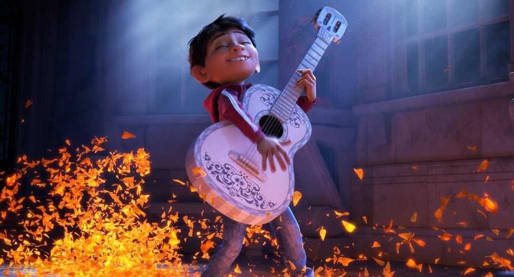 Costume de Miguel - il joue de la guitare - Ma Folie Des Fetes