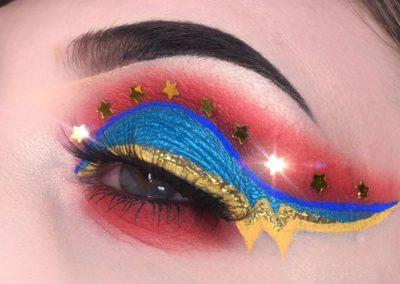 Idée maquillage Wonder Woman coloré - 2